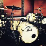 本当にドラムを上達させるためのドラムレッスンやっています。